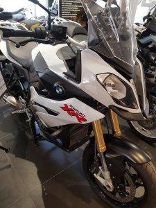 s-1000-xr-bianco